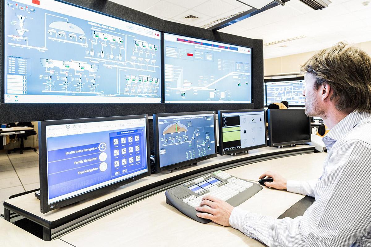 Química e Derivados, Sala de controle montada pela ABB permite controlar todo o processo em tempo real
